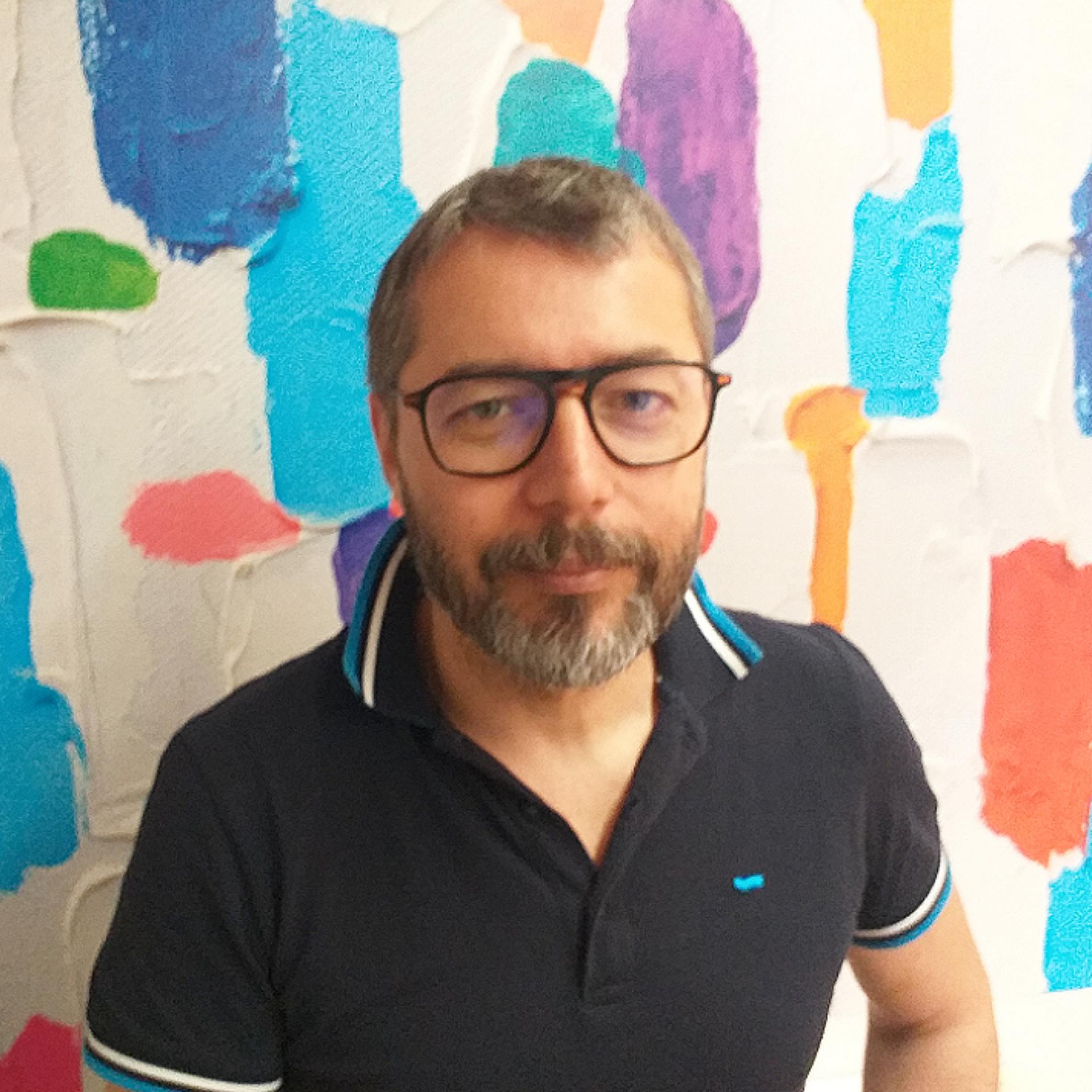 Riccardo Serafini: formatore in diritto del lavoro da Armonia dal 2016 e consulente del lavoro iscritto all'ordine dei Commercialisti e degli Esperti Contabili di Firenze dal 1995.